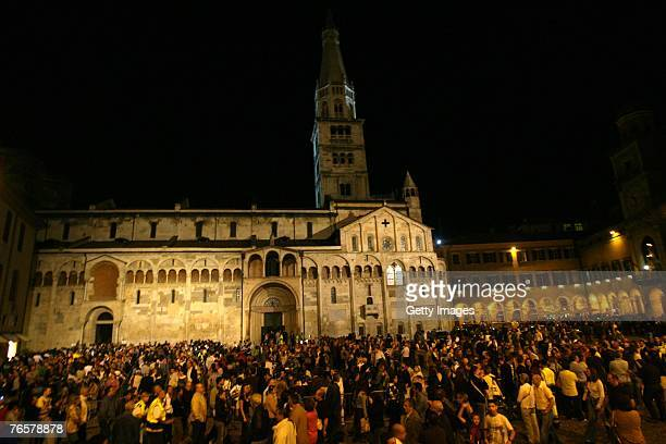 Mourners line to pay final respect to Luciano Pavarotti at the entrance of Modena's Duomo where the coffin of Maestro Luciano Pavarotti lies in state...