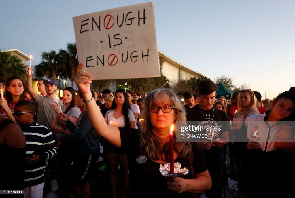 TOPSHOT-US-SHOOTING-SCHOOL-CRIME : News Photo