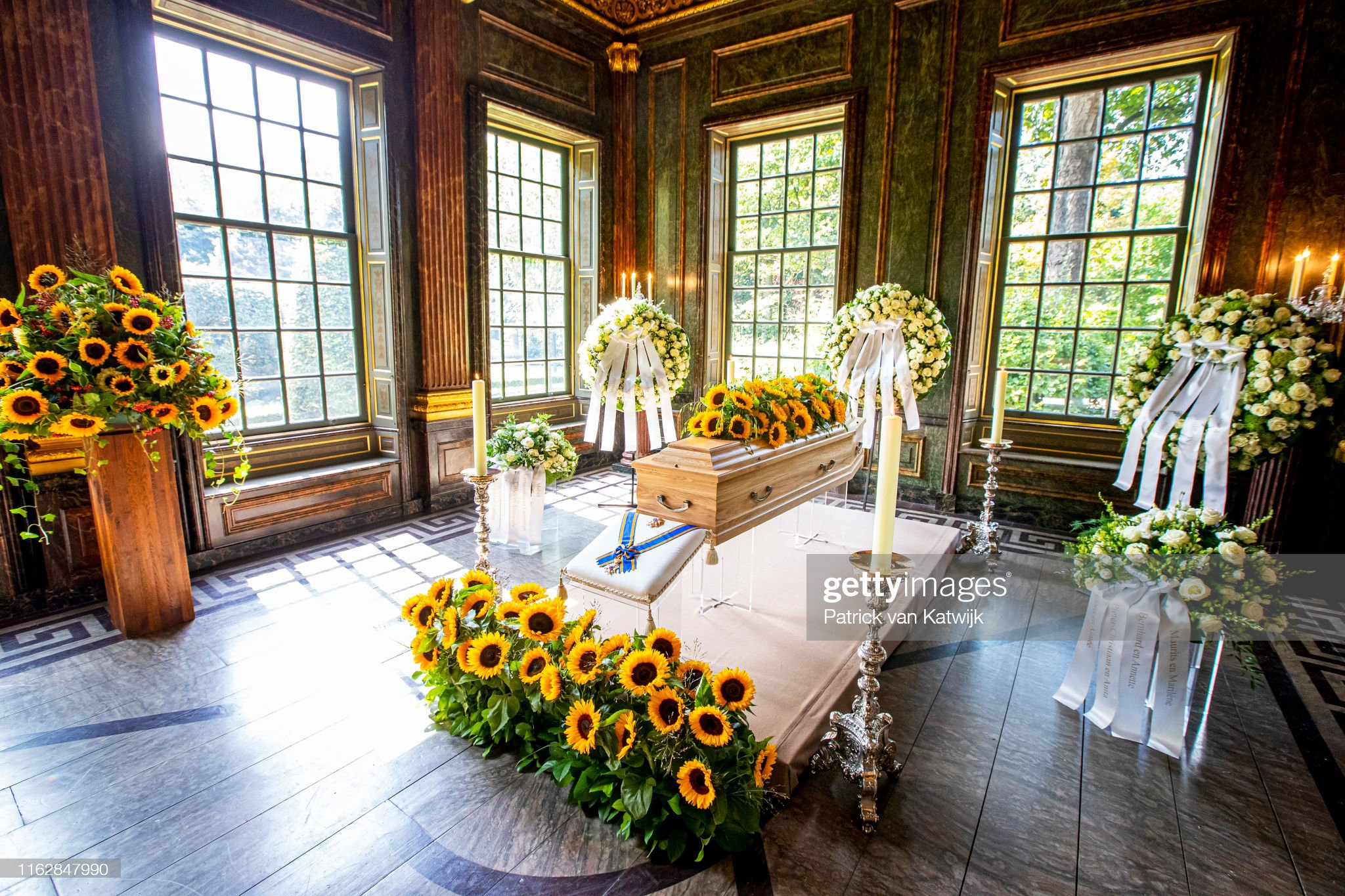 mourning-chapel-with-the-coffin-of-princess-christina-of-the-on-20-picture-id1162847990?s=2048x2048
