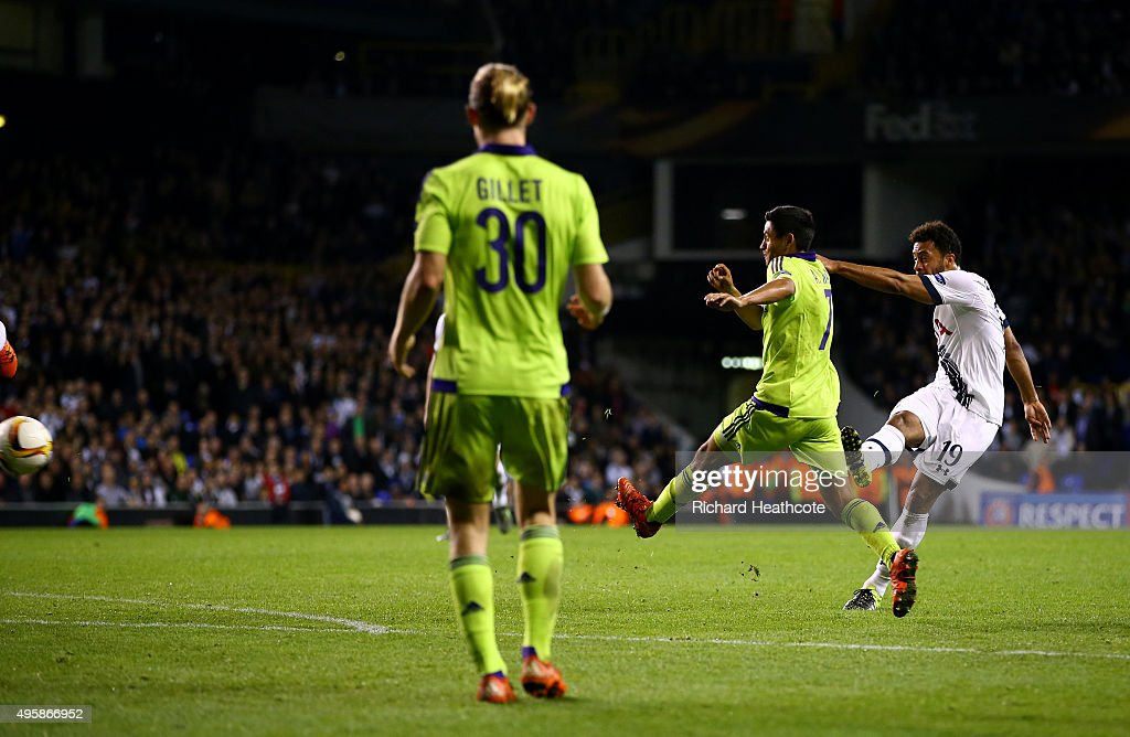 Mousa Dembele of Spurs scores his team's second goal during the UEFA Europa League Group J match between Tottenham Hotspur FC and RSC Anderlecht at White Hart Lane on November 5, 2015 in London, United Kingdom.