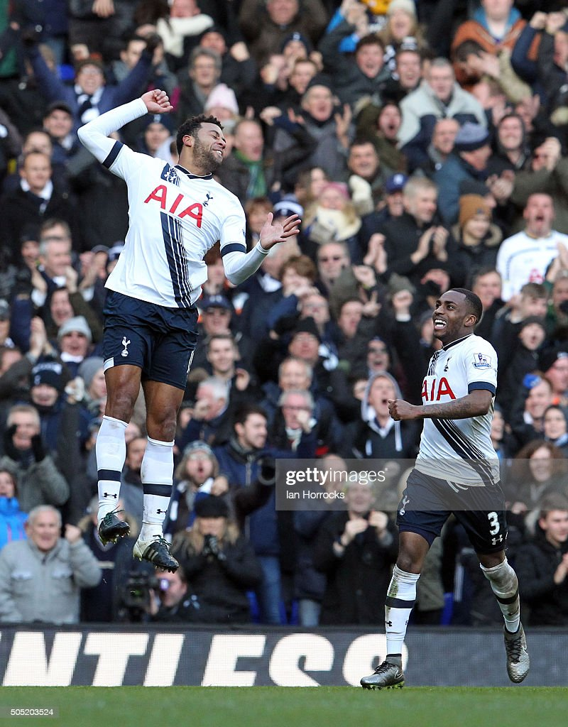 Mousa Dembele of Tottenham (L) celebrates scoring the second Tottenham goal during the Barclays Premier League Match between Tottenham Hotspur and Sunderland at White Hart Lane on January 16, 2016 in London, England.