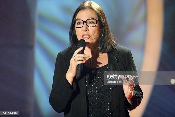 Mouskouri Nana *Saengerin Griechenland Auftritt bei der Probe zur MDRFernsehsendung Musik fuer Sie
