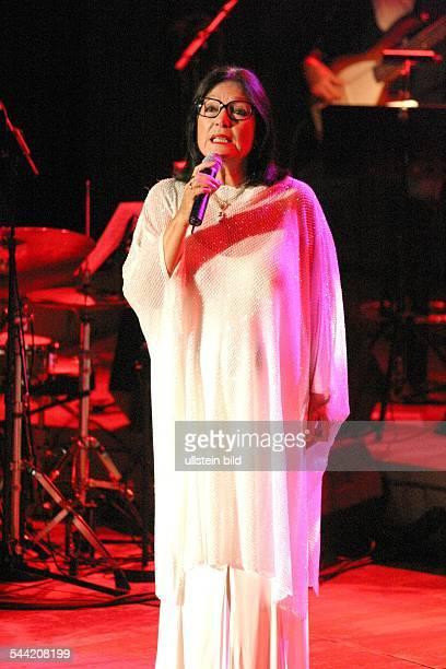 Mouskouri Nana *Saengerin Griechenland Auftritt in der Philharmonie Berlin