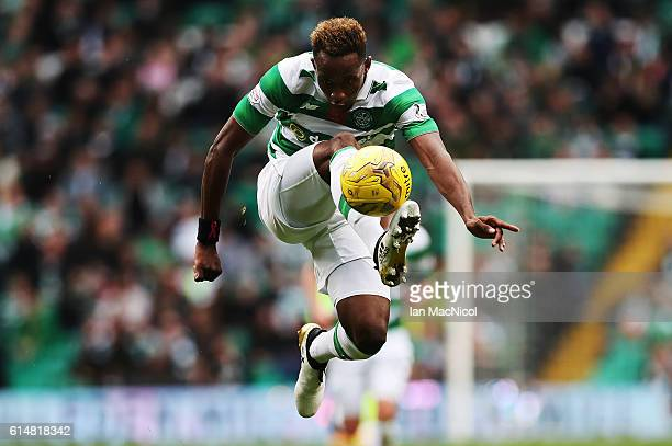 Moussa Dembele of Celtic controls the ball during the Ladbrokes Scottish Premiership match between Celtic and Motherwell at Celtic Park Stadium on...