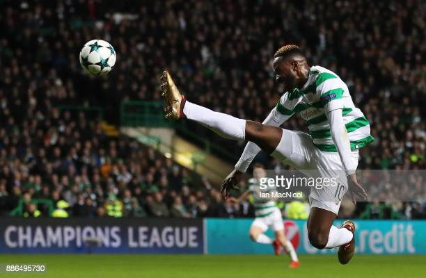 Moussa Dembele of Celtic tries to reach a cross during the UEFA Champions League group B match between Celtic FC and RSC Anderlecht at Celtic Park on...