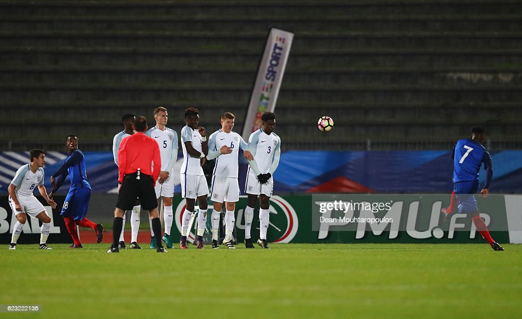 Moussa Dembele of France U21 (7) scores their second goal from a free kick during the U21 international friendly match between France and England at Stade Robert Bobin on November 14, 2016 in Paris, France.