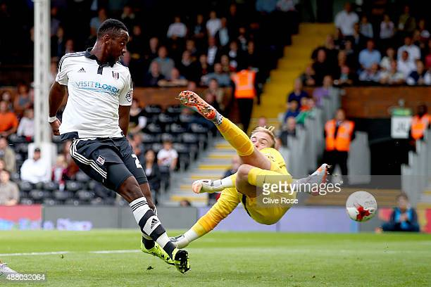 Moussa Dembele of Fulham is denied by Goalkeeper Jason Steele of Blackburn Rovers during the Sky Bet Football League Championship match between...
