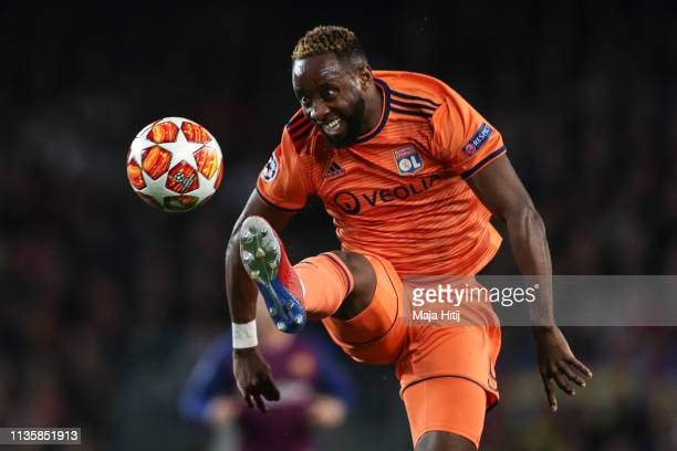 Moussa Dembele of Lyon controls the ball during the UEFA Champions League Round of 16 Second Leg match between FC Barcelona and Olympique Lyonnais at...