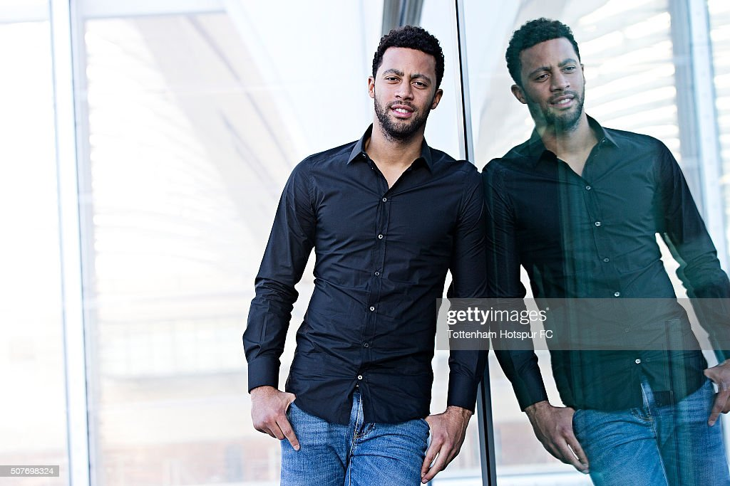 Mousa Dembele of Tottenham Hotspur Signs New Contract