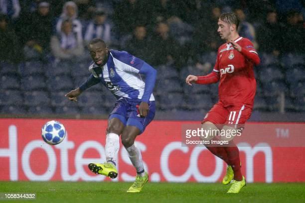 Moussa Marega of Porto Anton Miranchuk of Lokomotiv Moscow during the UEFA Champions League match between FC Porto v Lokomotiv Moscow at the Estadio...