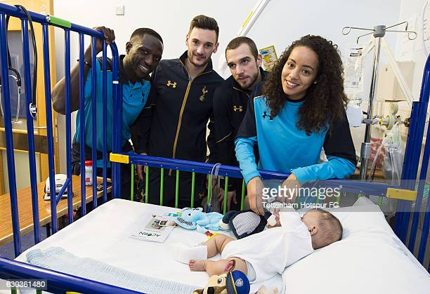 Moussa Sissoko Hugo Lloris Pau Lopez and Leah Rawle of Tottenham Hotspur hand out presents to patients at Whipps Cross Hospital on December 21 2016...