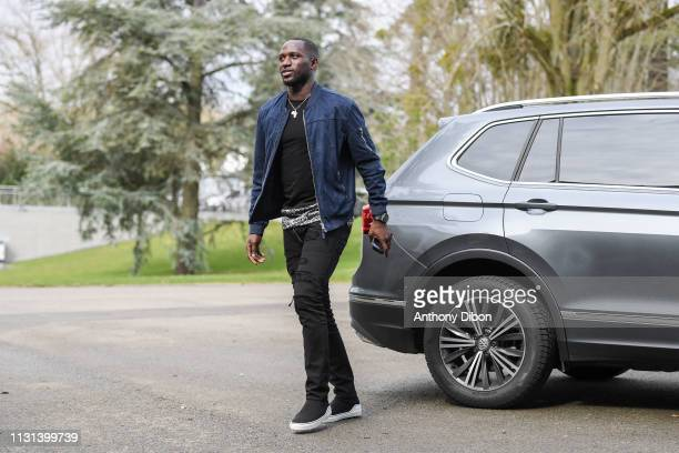 Moussa Sissoko of France arrives at on March 18 2019 in ClairefontaineenYvelines France