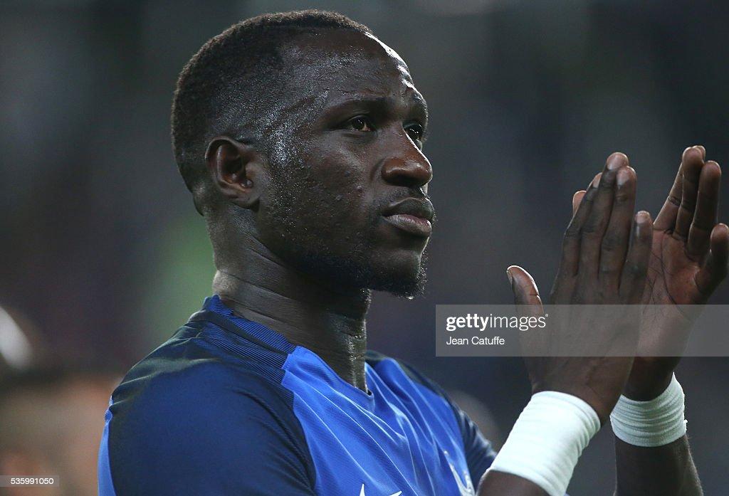 France v Cameroon - International Friendly : News Photo