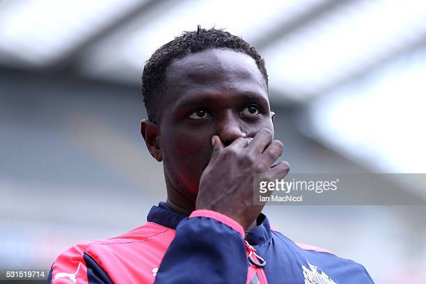 Moussa Sissoko of Newcastle United arrives for the Barclays Premier League match between Newcastle United and Tottenham Hotspur at St James' Park on...