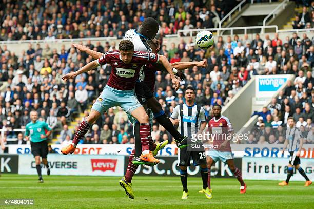 Moussa Sissoko of Newcastle United scores his team's first goal during the Barclays Premier League match between Newcastle United and West Ham United...