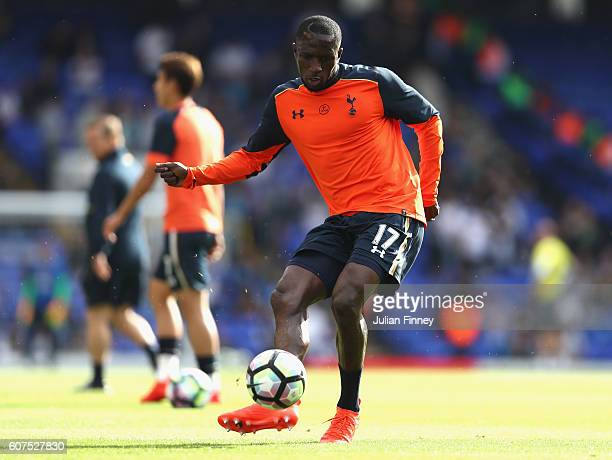 Moussa Sissoko of Tottenham Hotspur shoots during the warm up during the Premier League match between Tottenham Hotspur and Sunderland at White Hart...
