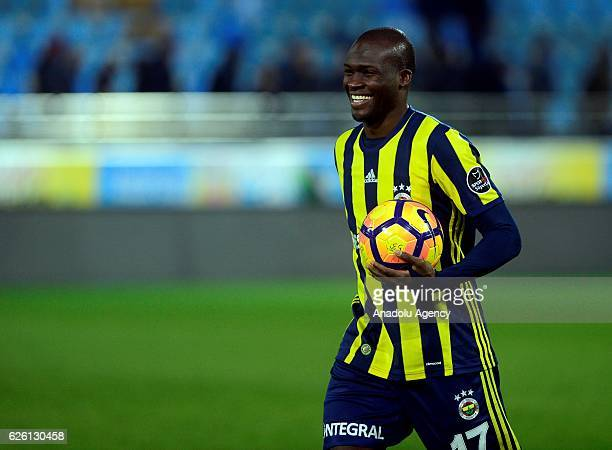 Moussa Sow of Fenerbahce celebrates after scoring a goal during the Turkish Spor Toto Super Lig football match between Caykur Rizespor and Fenerbahce...