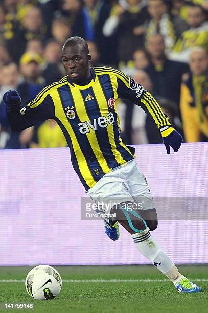 Moussa Sow of Fenerbahce SK in action during the Turkish Spor Toto Super Lig match between Fenerbahce SK and Galatasaray AS held on March 17 2012 at...