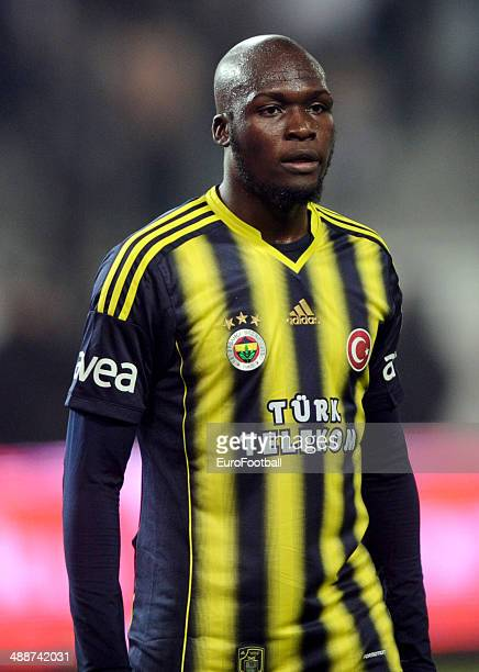 Moussa Sow of Fenerbahce SK in action during the Turkish Super League match between Besiktas and Fenerbahce at the Ataturk Olympic Stadium on April...