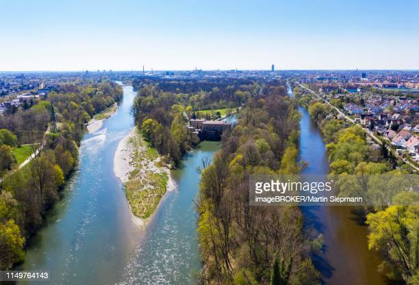 mouth of the river stadtbach into the lech, left, wertach, right, hydroelectric power plant power station wolfzahnau, drone shot, augsburg-oberhausen, augsburg, swabia, bavaria, germany - augsburg zwaben stockfoto's en -beelden