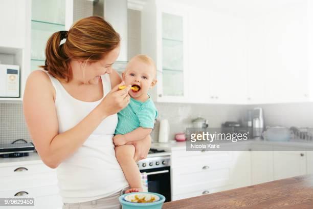 mouthful of more - comida e bebida imagens e fotografias de stock