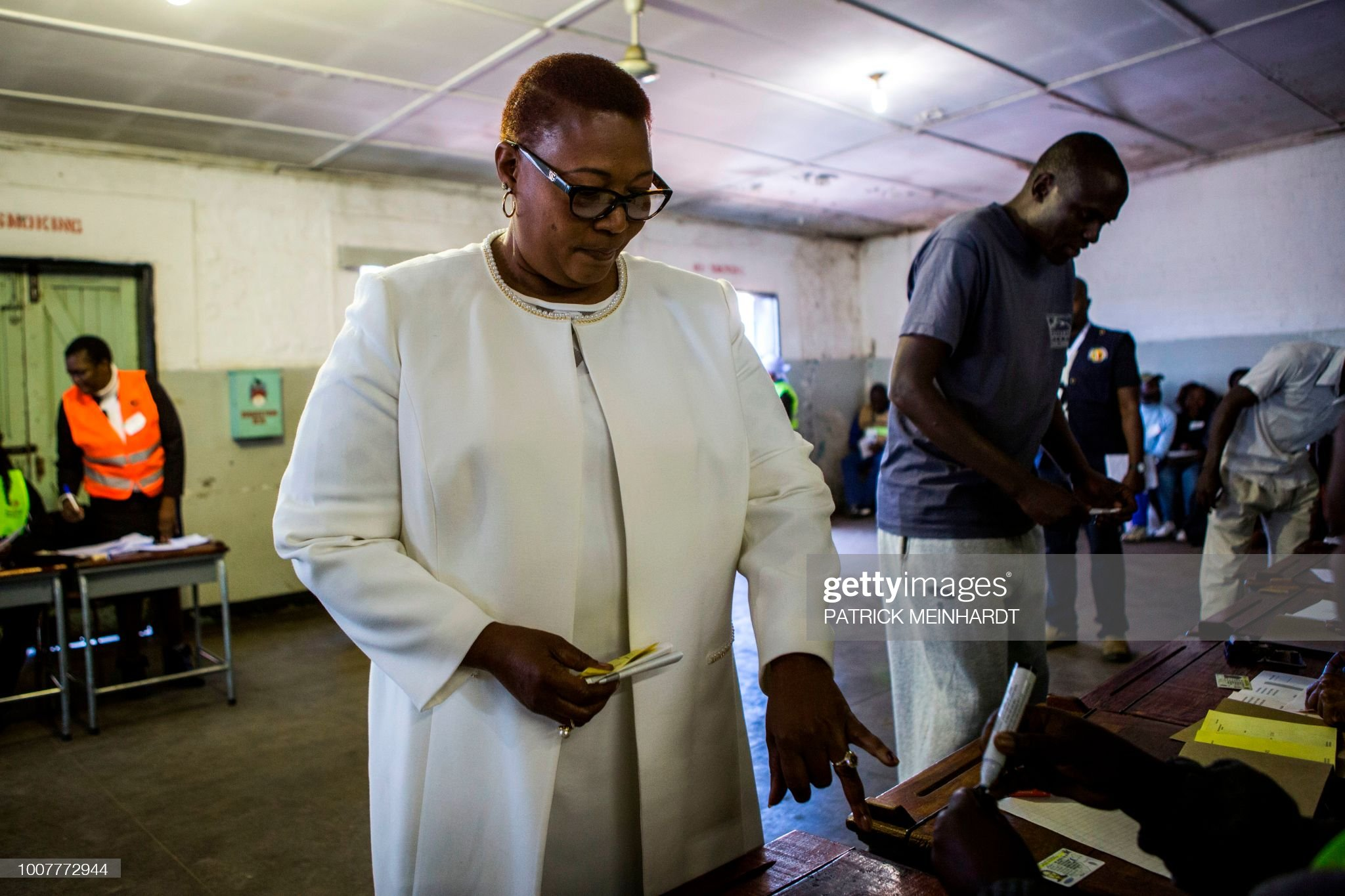 ZIMBABWE-VOTE-POLITICS : News Photo