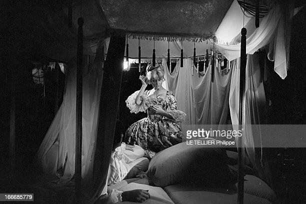 Movie 'Caroline Cherie' By Denys Of The Patelliere With France Anglade En octobre 1971 l'actrice France ANGLADE en costume d'époquedevant un lit à...