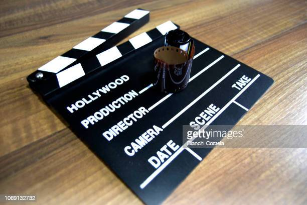 movie clapper and film roll - arclight bioscopen hollywood stockfoto's en -beelden