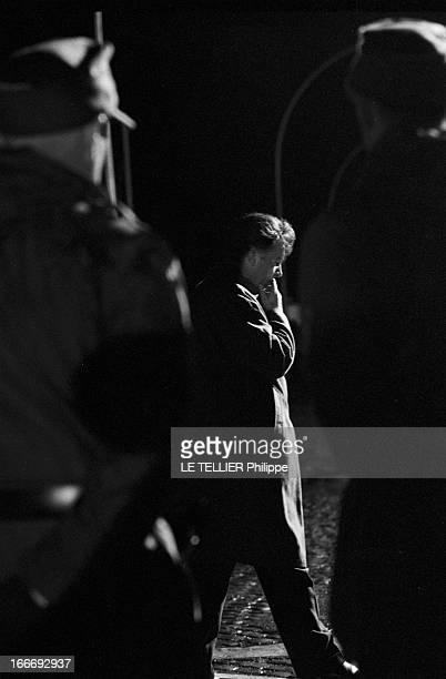 Movie Film 'L'Espion Qui Venait Du Froid' By Martin Ritt En mars 1965 de nuit l'acteur Richard BURTON vue de profil debout dans le décor d'un Berlin...
