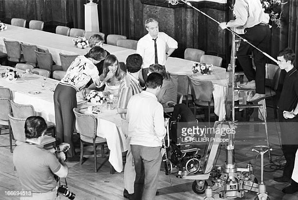 Movie 'Privilege' By Peter Watkins With Jean Shrimpton And Paul Jones En Aout 1966 un scène de tournage du film 'Privilège' du réalisateur Peter...