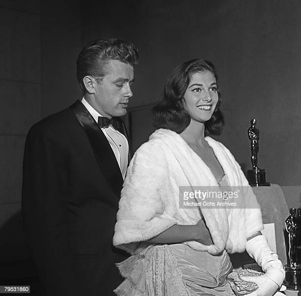 Movie star James Dean and Italian born actress Pier Angeli attend the premiere of the rerelease of Gone With The Wind on August 10 1954 in Los...