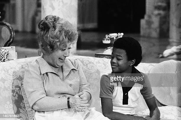 RENT STROKES 'Movin' In' Episode 1 Pictured Charlotte Rae as Edna Garrett Todd Bridges as Willis Jackson Photo by Herb Ball/NBC/NBCU Photo Bank