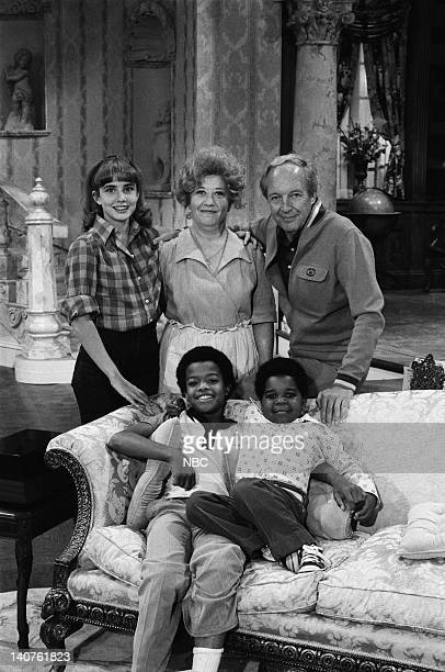 RENT STROKES 'Movin' In' Episode 1 Pictured Dana Plato as Kimberly Drummond Charlotte Rae as Edna Garrett Conrad Bain as Philip Drummond Todd Bridges...
