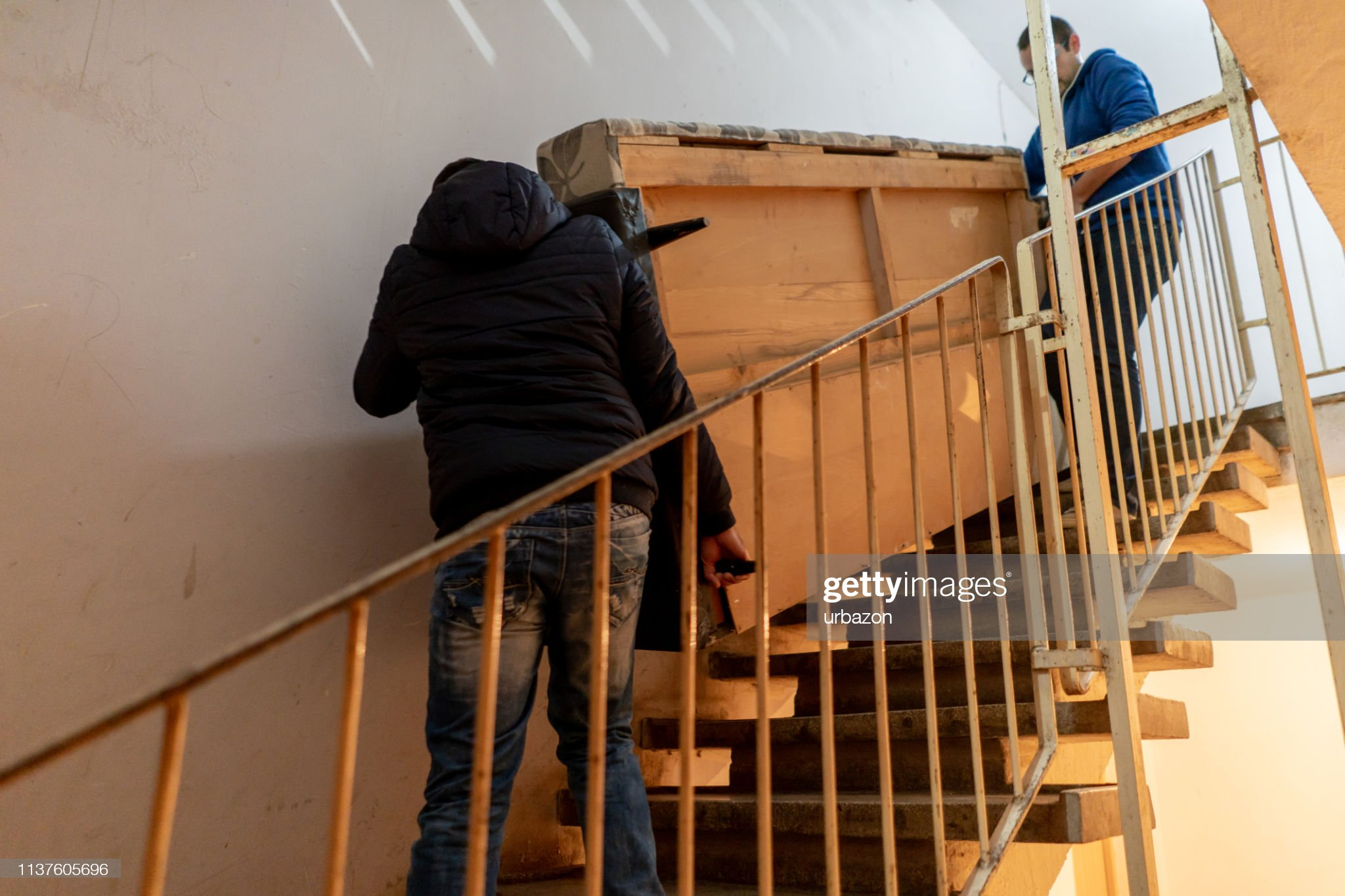 Moving house with a friend : Stock Photo
