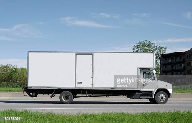 Camion camion sur la route.