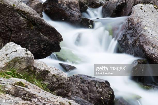 moving water - heather brooke ストックフォトと画像