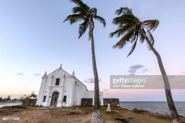 mozambique island, santo antonio church - ナンプラ ストックフォトと画像