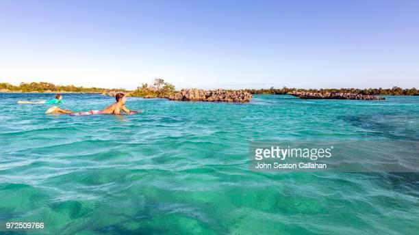 mozambique, mossuril district, surfers - ナンプラ ストックフォトと画像