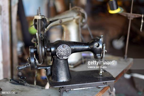 Máquina de costura de selaria