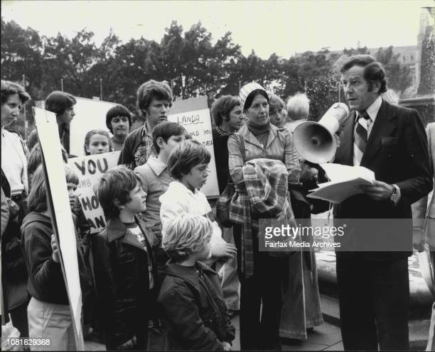 Mr Don Chipp Addresses the group before marching to Parliament HouseAt lunch time today a protest march which went from the Archibald Fountain in...
