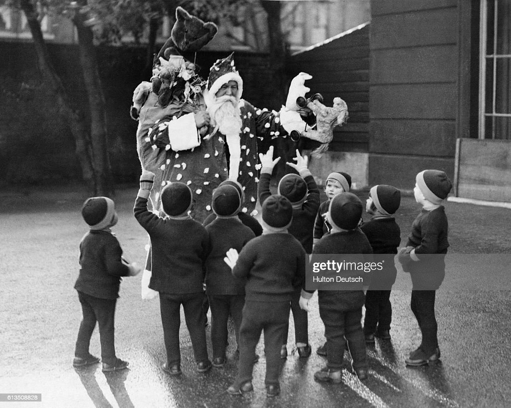 Santa Claus with Children Pictures   Getty Images