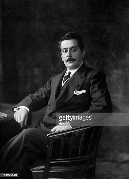 Mr Giacomo Puccini Italian composer and drinks photo Taponier extracted log Theater in September 1907