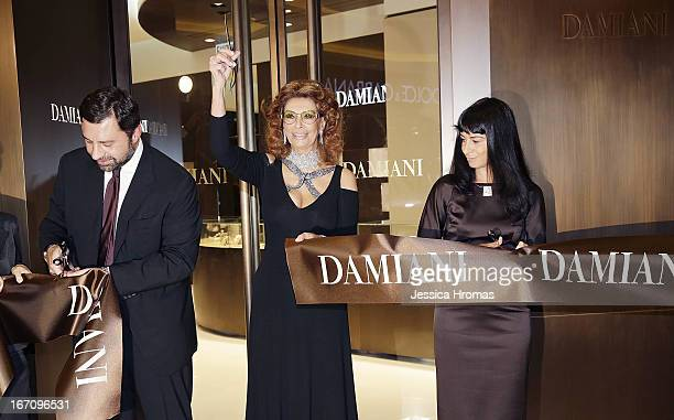 Mr Giorgio Damiani Vice President of Damiani Group Italian actress Sophia Loren and Ms Alessandra Schiavo Consul General of Italy in Hong Kong cut a...