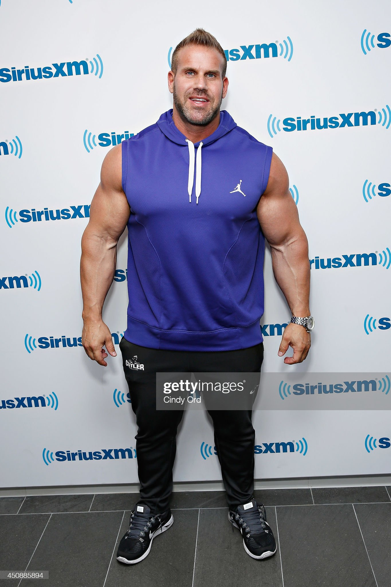 ¿Cuánto mide Jay Cutler? - Altura - Real height Mr-olympia-winner-ifbb-professional-bodybuilder-jay-cutler-visits-the-picture-id450885894?s=2048x2048