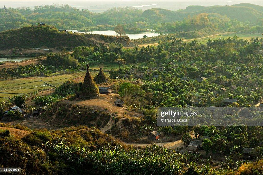Mrauk U at sunset - Myanmar : Stock Photo