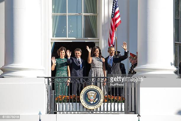 , Mrs. Agnese Landini, Prime Minister Matteo Renzi, First Lady Michelle Obama, and President Barack Obama, wave from the verandah of the White House...