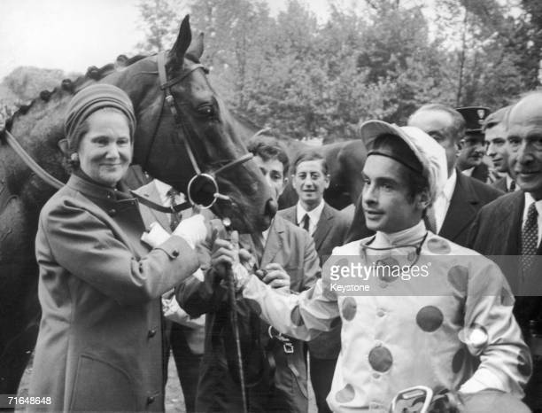 Mrs Arpad Plesch with her horse Sassafras and its jockey Yves SaintMartin after they won the Prix de l'Arc de Triomphe at the Longchamp Racecourse in...