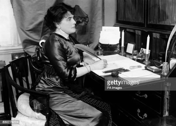 Mrs CornwallisWest at home the mother of Winston Churchill who married George Cornwallis West and later divorced him