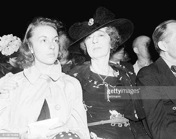 Mrs Evelyn Walsh McLean and her daughter Evelyn prominent Washington DC socialites watch boxer Joe Louis defeat Max Schemeling in one round at Yankee...