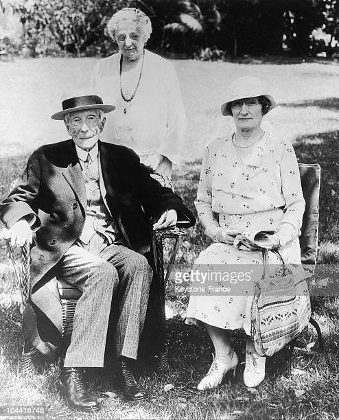 Mrs Fannie Evans And Mrs Mitchell With John D Rockefeller To The End